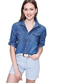 Butikburuç Kadın Koyu Mavi Çıtçıtlı Kot Gömlek